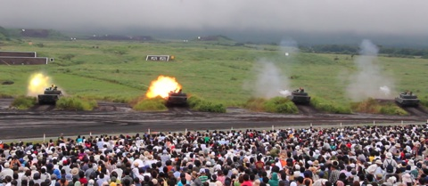10-90式射撃5.jpg